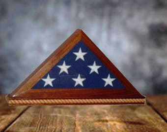 Memorial flag display case (for 5x9 to 5x10 memorial sized flags)