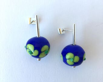 Lampwork earrings//Murano glass earrings//Silver and glass earrings//Blue and green glass earrings//Flower earrings