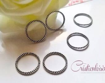 10 connectors / hammered closed rings - diameter 18 mm - silver color