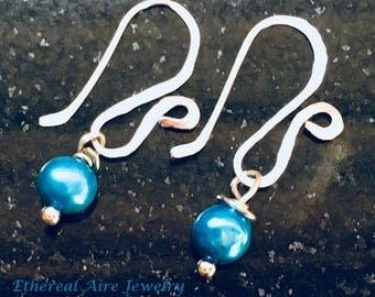 Ancient Earrings / Antique Earrings Style / Roman Jewelry / Greek Jewelry / Blue Freshwater Pearl Silver Hammered Wire Dangle Drop Earrings