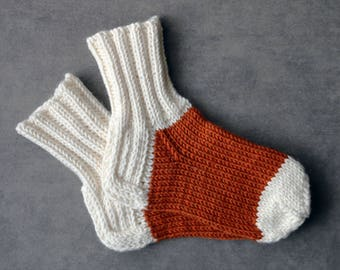 Orange baby socks / white