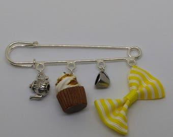 Yellow cupcake bow theme brooch