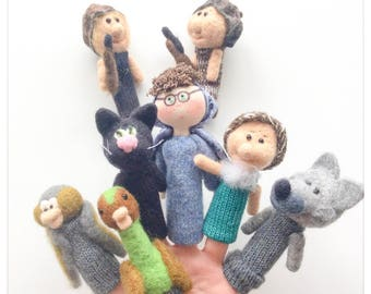 """Finger puppets in felted wool and knit musical tale """"Stone and the Wolf"""" /Marionnettes fingers musical story """"Peter and the Wolf"""""""