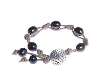 leather pearl bracelet pearl leather bracelet real freshwater pearl jewelry black pearl leather bracelet bridesmaid bracelet wedding gift