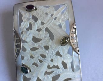 Silver and mother of Pearl pendant
