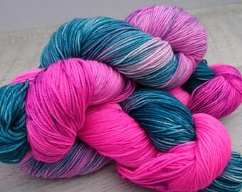 Hand Dyed Yarn / Pink Tulipes / Tulipes Rose / Laine Teinte à la Main