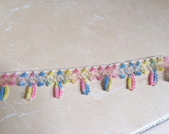 Crochet lace by hand with nylon thread
