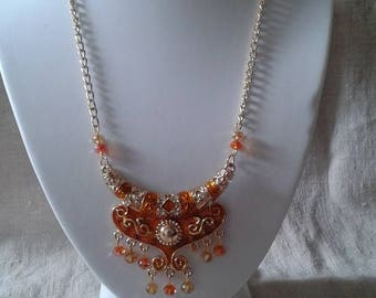 "necklace ""pretty orange and gold"""