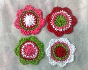 Colorful crochet flowers 4, green 5, 5 cm large crocheted flowers application in the colors of red, cherry red, and white