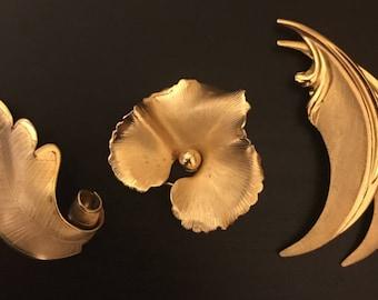 Vintage Giovanni Signed Gold Tone Leaf Brooch - Set of 3