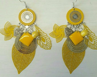 Earrings dangling yellow tones
