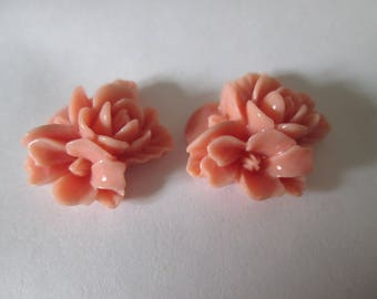 2 cabochons three 18 mm resin pink flower