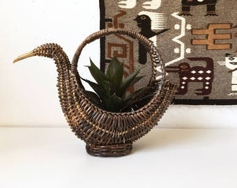 Vintage Wicker Duck Basket Planter Round Handle + Brown + Southwest Rustic Folk Animal Decor + Boho Bohemian Jungalow + Natural Organization