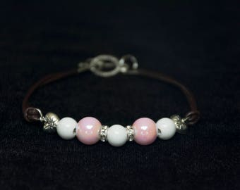 Pretty Pearlescent Pink and White Bead Bracelet