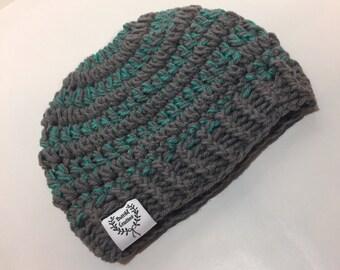 Messy  bun/ ponytail crochet beannie