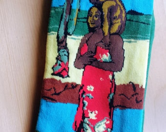 Art Socks : The Mona Lisa, Cupid, The Kiss , Starry Night , The Dance Studio, African Mother, Red Cow.