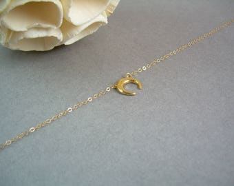 Gold Crescent Moon Necklace / Delicate Crescent Moon Necklace/Delicate Gold Chain /Gold Dainty Moon Necklace / AD006