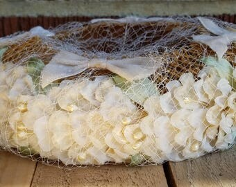 1940s Cream, White Flower Hat with Netting and Bow Detail,  Vintage Floral Hat, Springtime Hat with Flowers