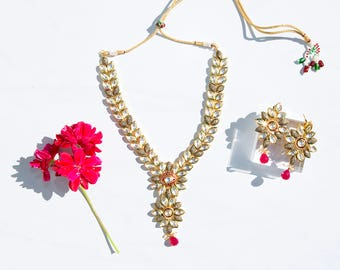 Kundan work with floral leaves necklace set
