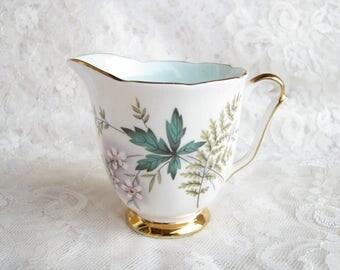 Queen Anne cream Louise cream Old English creamer Milk jug Tea party decor Mid century cream Bone china creamer