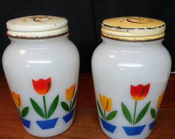 Fire King Tulip S&P shakers