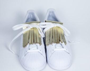 Fringe leather shoes gold