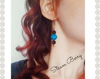 Elegant earrings in paper
