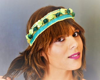 Headdress headband for guest of wedding or event at tonso green- and -gold