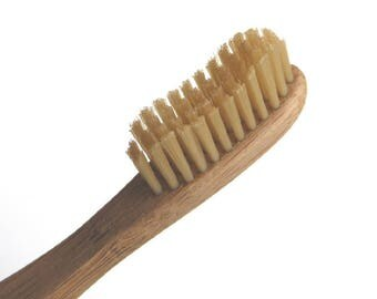 Eco Friendly Bamboo Toothbrush. Vegan. Bamboo Fibre Bristles. Biodegradable. Natural.100% Compostable. BPA Free.