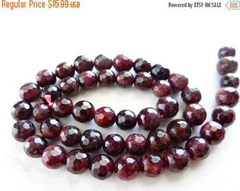 50% OFF SALE-- Shaded garnet faceted round beads/7.5mm/7 inch strand