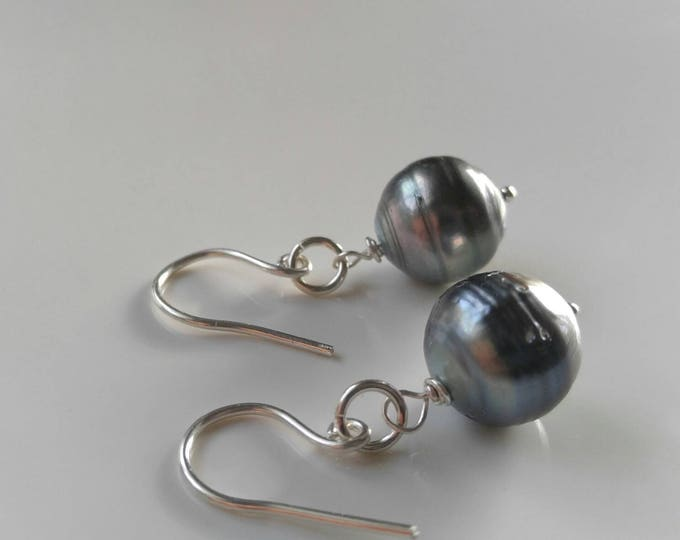 Black Tahitian and sterling silver dangle and drop earrings. Handmade, large natural pearl earrings, silver grey black pearl earrings