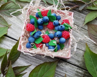 Clay berry bracelet,Blueberry fimo bracelet, Polymer clay berries, Handmade berries bracelet, berry, gift idea,raspberries bracelet