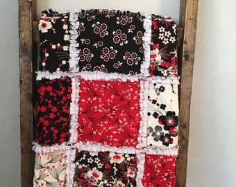 red and black rag quilt - baby quilt - rag crib blanket - girls quilt - tummy time mat - baby shower gift - nursery decor