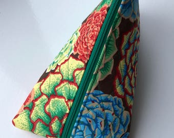 Pyramid Pouch, Zipper Pouch, Quilted Pouch, Quilted Case, Cosmetic Bag, Flowers, Philip Jacobs, Snow Leopard