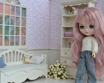 Diorama - 1:6 scale -  Blythe, Barbi, Monster High, Pullip  and simiar size dolls, roombox - roses