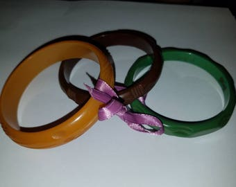 Set of 3 Carved Bakelite Bangles