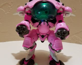Limited in Stock! - Overwatch D.Va with MEKA 6-inch Supersized #177 Pop Vinyl Figure