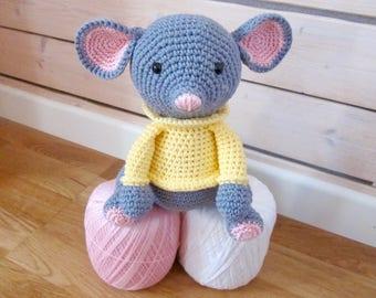 Plush mouse amigurumi cotton