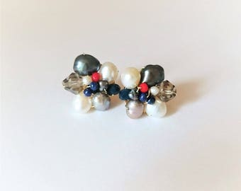 Pearl earrings with crystals and lapis lazuli