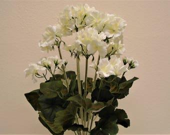 "CREAM Geranium Bush Artificial Silk Flowers 20"" Bouquet 12-8390CR"