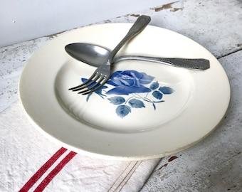 Digoin Sarreguemines serving dish / round ceramic plate / floral decoration / blue rose pattern / minimalist / 1950s