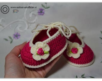 Crochet Baby Shoes / Cyclamen Shoes / Baby Girl Shower Gift / Cute Baby Shoes / Ballerina Shoes / Infant Shoes / Crib Shoes / Flower Shoes
