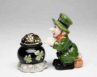 Leprechaun with Pot of Gold Salt and Pepper (61508)