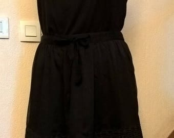 Short black chiffon skirt