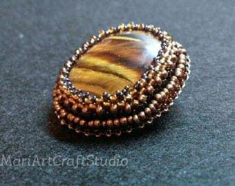 Simple oval brooch