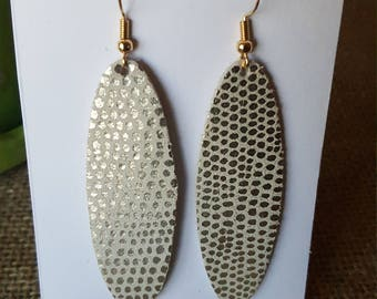 Oval metalic with gold