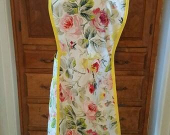 Roses cross back apron