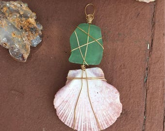 Sea glass & shell wire wrapped pendant