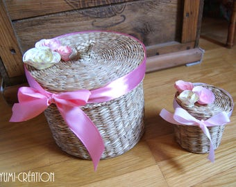 Duo of small spring baskets (with flowers)