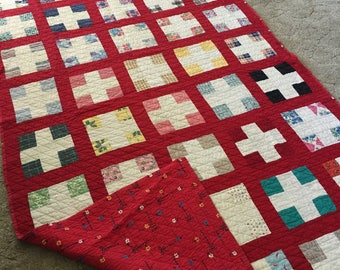 Vintage 4'x6' quilt red colorful texas made 70's handmade blanket